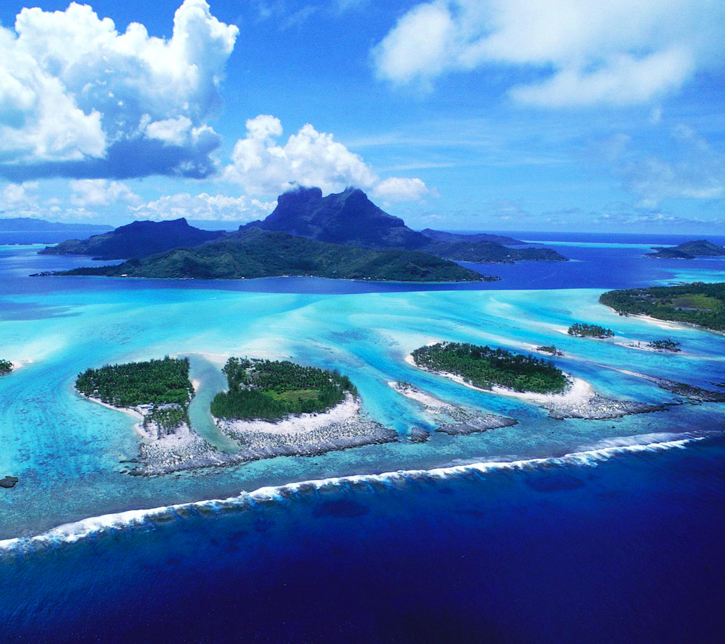 Awesome Look On Reefs Of Bora Beach Wallpaper