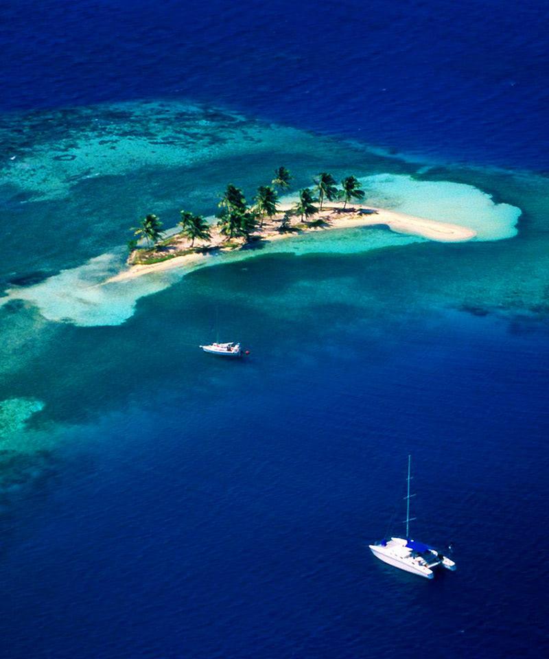 Belize Beaches: Goff's Caye, Belize Wallpaper