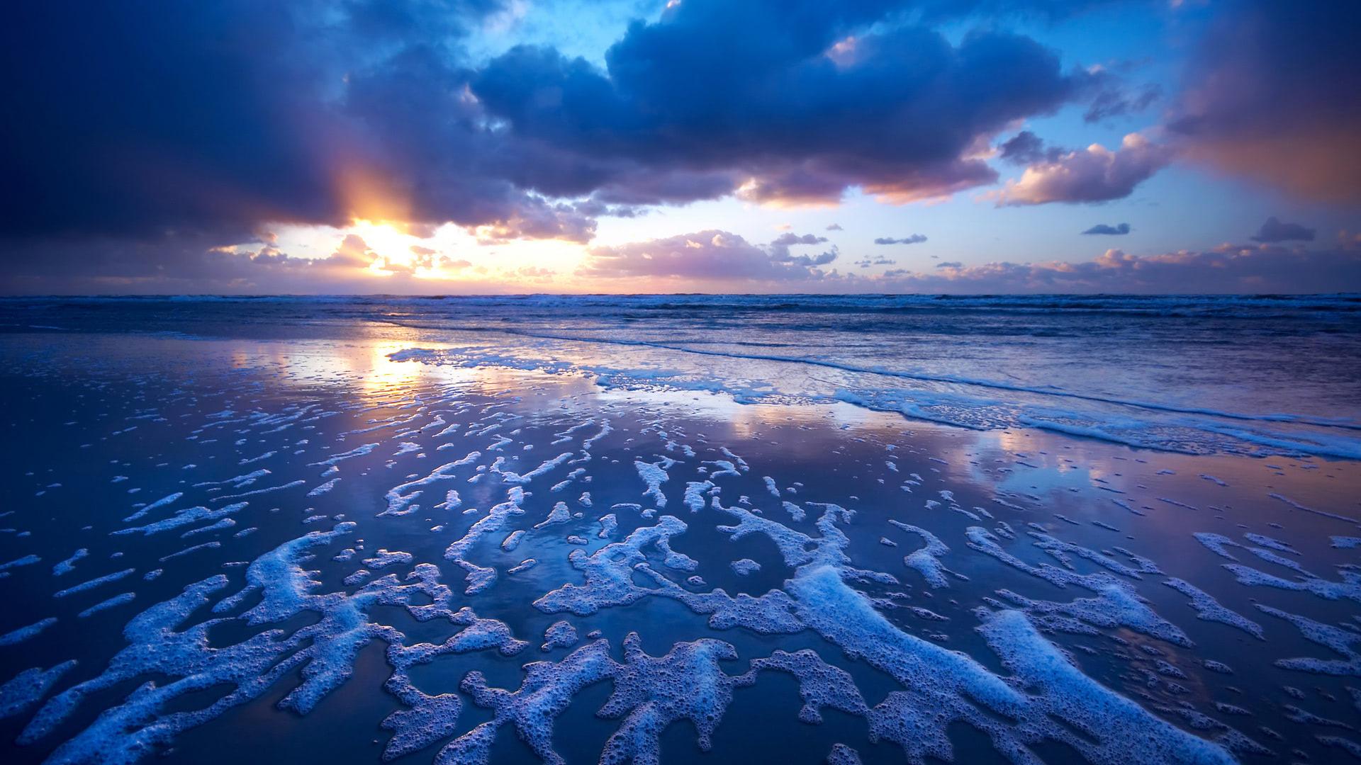 Sunset Waves Wallpaper