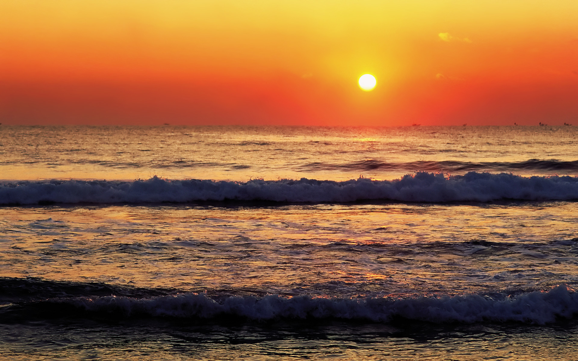 The Fading Sunlight On Sunset Wallpaper