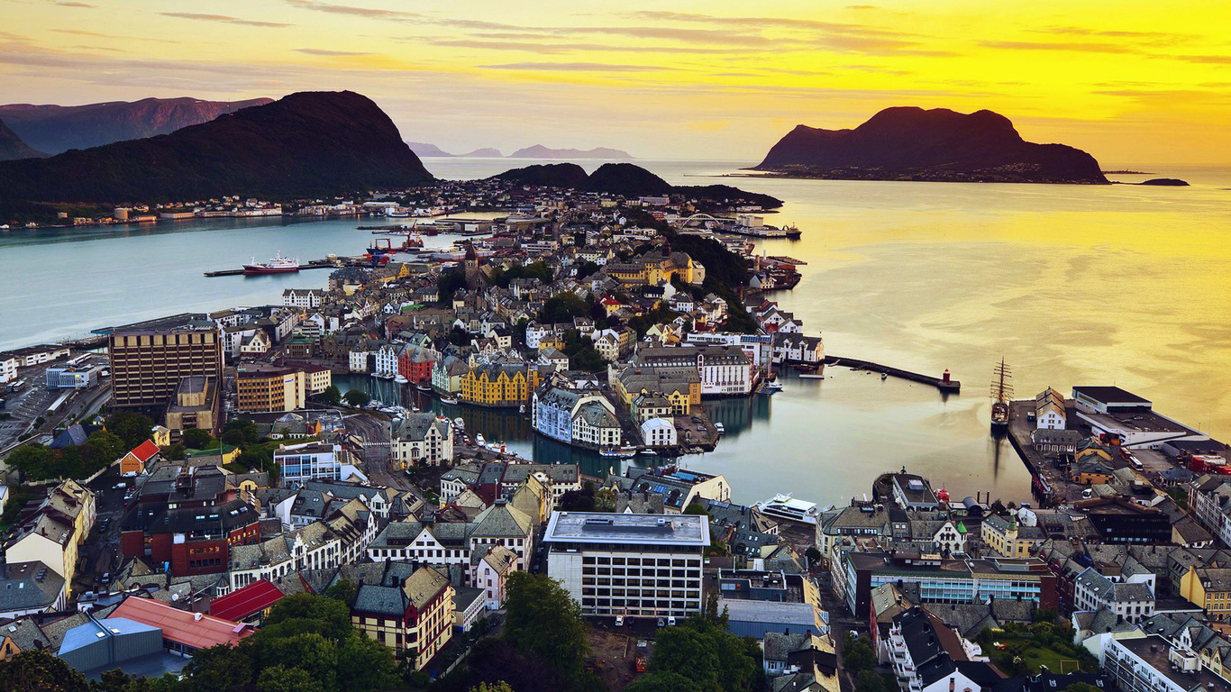 Fantastic Wallpaper Macbook City - the-wallpaper-of-beautiful-morning-in-alesund-norway-1366x768-541  Perfect Image Reference_275659.jpg