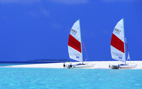 Sailboats beach wallpaper