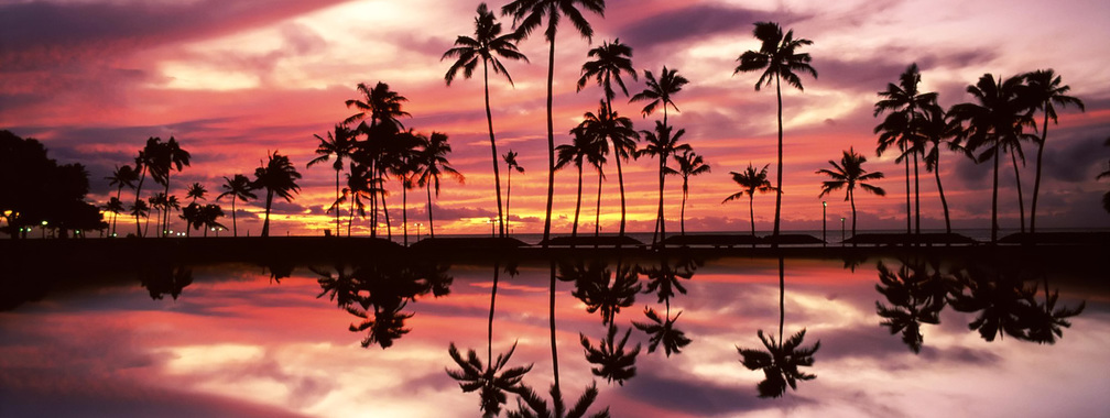 Sunset over the Ala Moana Beach Park, Honolulu, Oahu, Hawaii – wallpaper
