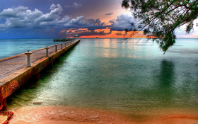 The colourful wallpaper of the sky at Key West Florida