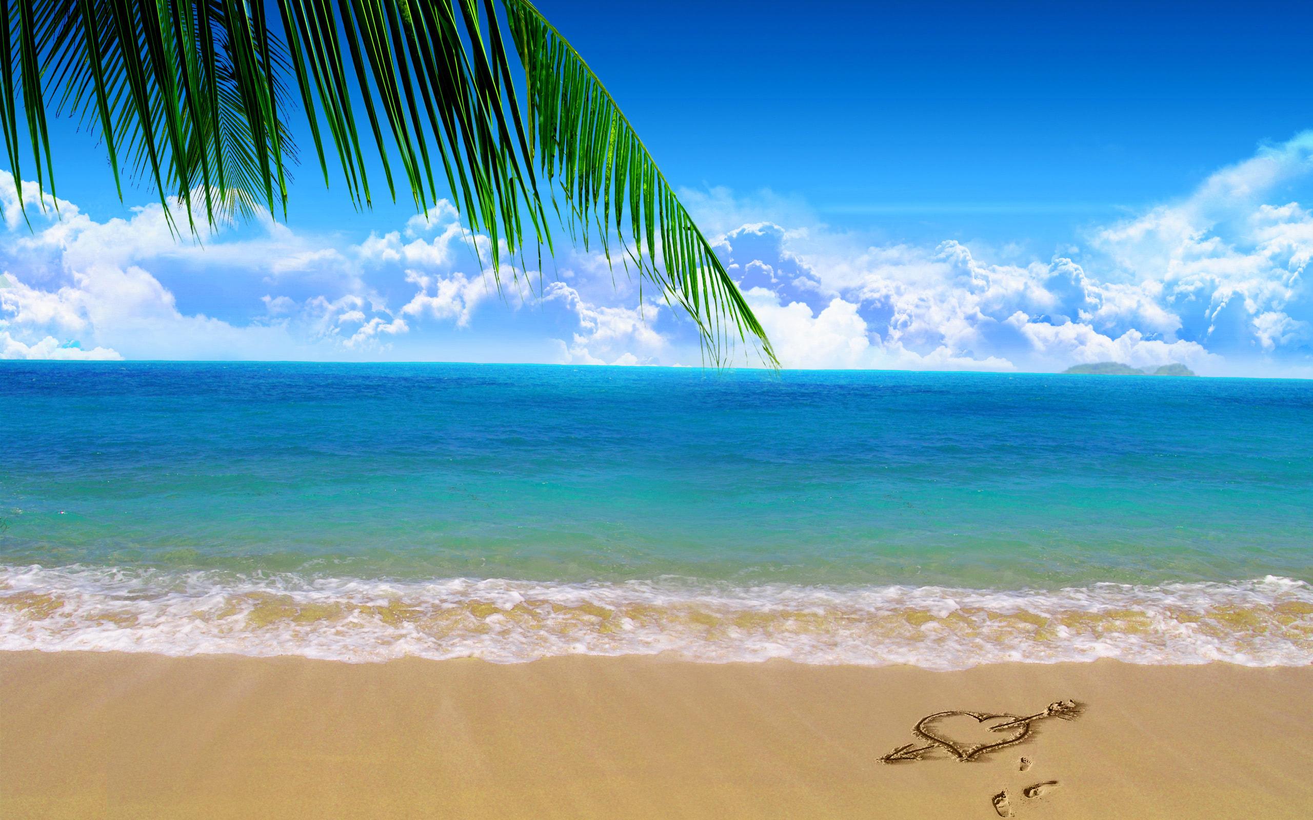 Love heart on beach sand - Beach Wallpapers