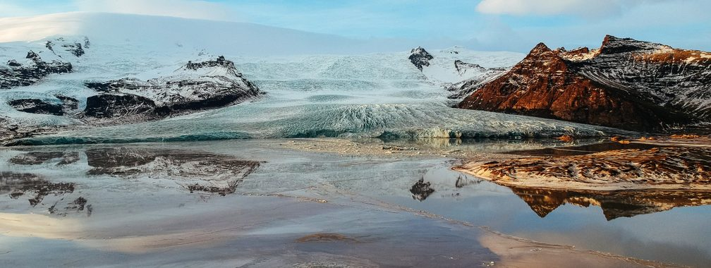 A glacial iceberg lagoon in Öræfi, Iceland