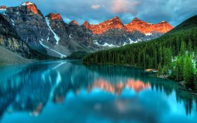 A magical place with a lake and mountain in Field, Canada