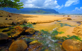 Bali Hai stream, Kauai, Hawaii beach wallpaper