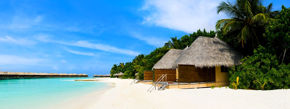 Beach bungalows on the tropical island wallpaper