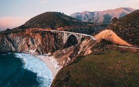 Bixby Creek Bridge over blue sea in Big Sur, California