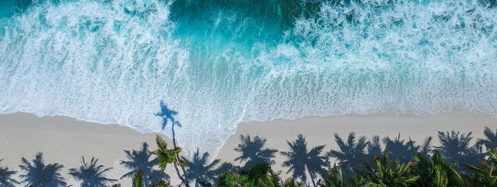 Breezy coast with amazing waves in Fuvahmulah city, Maldives