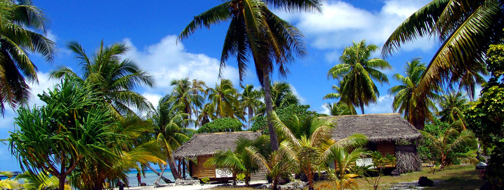 Bungalows On The Sandy Beach Wallpaper