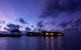 Cottages on Maafushivaru island wallpaper