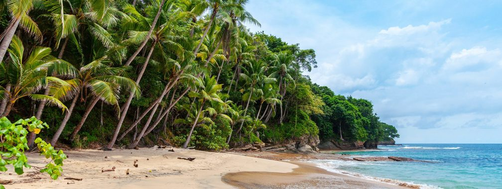 Landscape wallpaper of seashore in Playa Blanca, Saboga, Panama