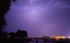 Lightning sky over the Daytona Beach in Florida wallpaper