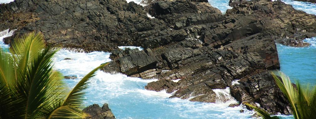 Rocky indian shores beach wallpaper