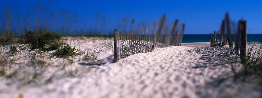 Sandy beach on the Shell Island, Wales wallpaper