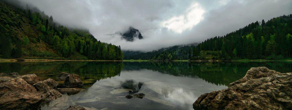 The beauty of Lake Obersee in Glarus, Switzerland